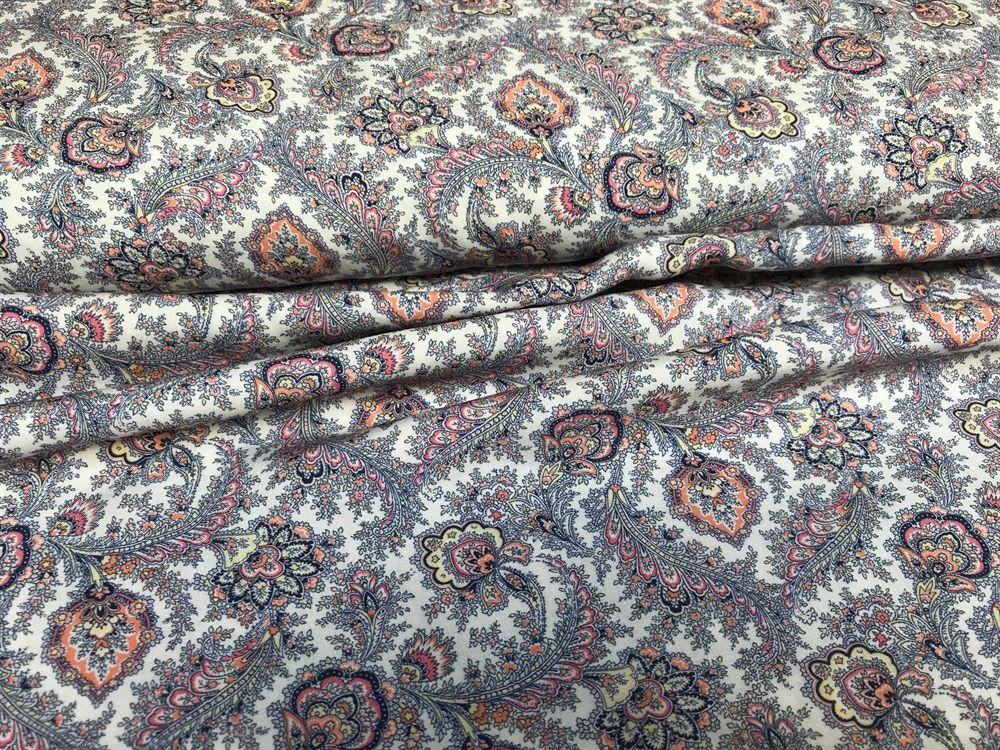 d9ed8804 Fastvævet viscose - smukt fint mønster