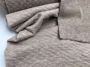 Quiltet jersey - flot taupe bomuldsquilt